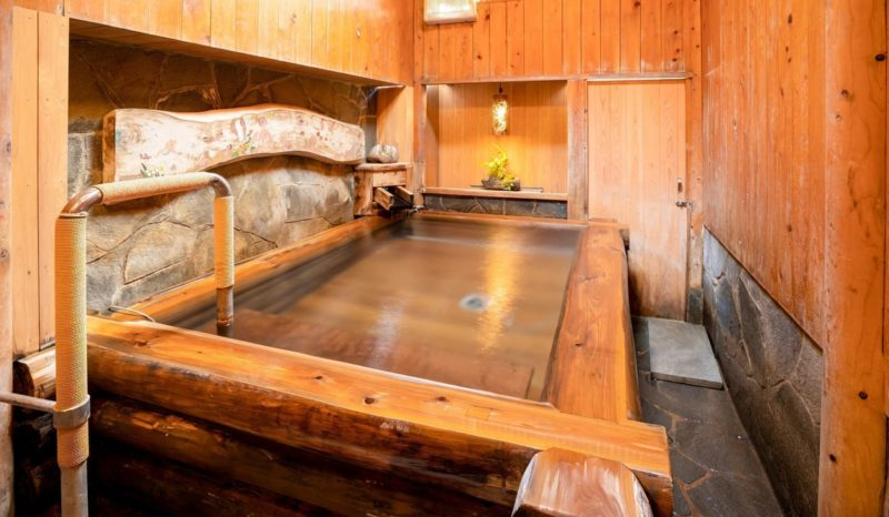 旅館 國崎 ひのき風呂