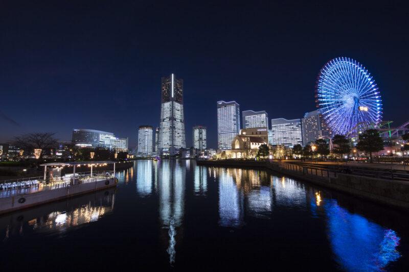 横浜ロイヤルパークホテル 外観 夜