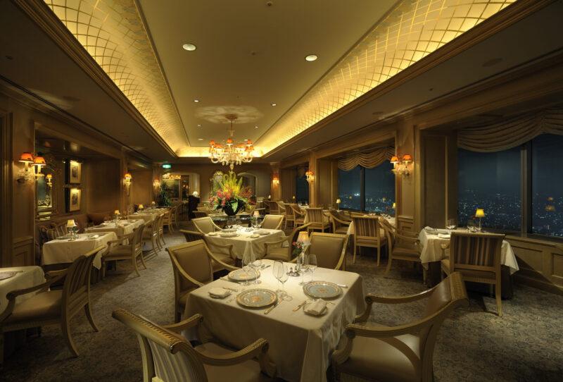 横浜ロイヤルパークホテル レストラン 夜